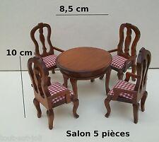 une table et quatre chaises à bras ,miniature,maison de poupée, vitrine **0cc