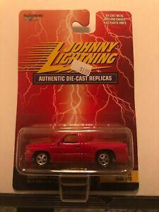 1/64 JOHNNY LIGHTNING 1997 DODGE RAM VTS PICKUP RED & WHITE STRIPES