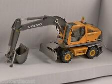 VOLVO EW180B Wheeled Excavator 1/87 scale model by Cararama