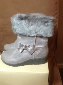 NEW Cherokee Girls Boots Shoes size 5 Boots Silver Gray  (79)