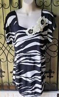 Womens CARRIE ALLEN black white zebra ruched boutique tunic top M Medium t shirt