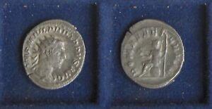 Antoninian PHILIPPUS I – Roma sitzend