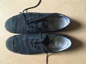 Vintage Retro Black Lace up Dek Toe Capped Plimsolls size Adult 10