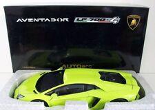 Coches, camiones y furgonetas de automodelismo y aeromodelismo AUTOart color principal verde