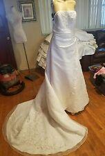 Davids bridal wedding dress size 8 sleeveless pink flowers style 8820
