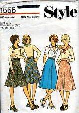 1970s Style Sewing Pattern 1555 Teen's Flared Skirts In Two Lengths Size 9/10