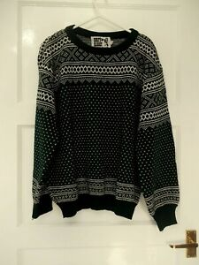 Mens / Ladies Christmas Jumper Size XL Green & Ivory design Nordic Good cond BB1