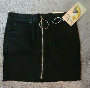 NEW WITH TAGS BLACK DENIM FRAYED HEM SKIRT BY MONKEY RIDE JUNIORS MED FRONT ZIP