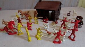 1960's playset Auburn rubber settlers cabin farm attacked by Indians horses marx