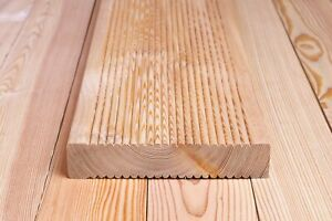 Muster! Terrassendielen geriffelt, 27 x 140 mm, Sibirische Lärche Terrassenholz