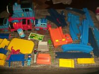 Thomas the tank engine trackmaster huge bundle with trains and accessories