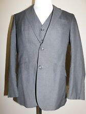NEW NWT Men's UNLISTED KENNETH COLE 3 Piece Gray Suit Flat Front Pants 38S 31W