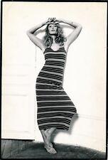 Photo Mode robe sexy tirage argentique époque photographie années 1970 femme