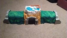 PP135 FISHER PRICE GEO TRAX ROCKY FALLS TUNNEL WITH SOUNDS GEOTRAX