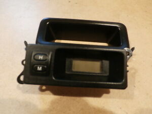 Freelander 1 Clock Digital Display Land Rover YFB100380 2001 to 2006 + Bezel