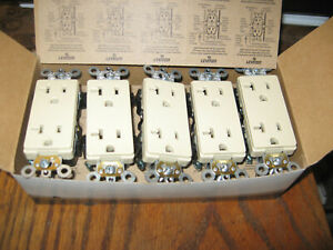 LEVITON 16352-1PW Controlled Receptacle Outlet Ivory Self Ground NEW Lot of 10