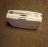 Vintage Ivory Airway Celanese Medium hard cover Suitcase 22 x 16 x 6 Women's