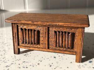 Dolls house miniature 1:12 ARTISAN Medieval / Tudor coffer / chest