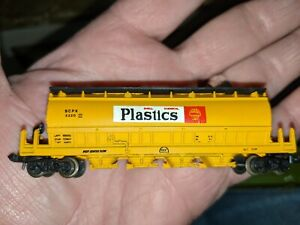 N SCALE POSTAGE STAMP TRAINS No. 4866 SHELL 50' CENTER FLOW HOPPER CAR W/CASE