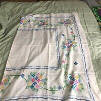 Vintage Embroidered Tablecloth 56 x 76 flower floral bouquet