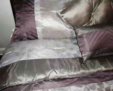 Jacquard Queen Size 8 Piece Comforter Set - Reversalable