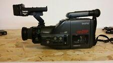 SANYO 8 mm Camcorder VM-D8P mit viel Zubehör. Älteres Gerät.