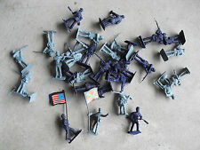 Lot of Plastic Toy Soldiers Civil War Series North and South LOOK