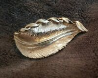Gerry's Vintage pale goldtone silvery gold single leaf Brooch costume jewellery