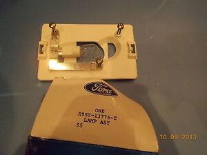 NOS 1989 1990 1991 1992 1993 FORD THUNDERBIRD INTERIOR LAMP  E9SZ-13776-C