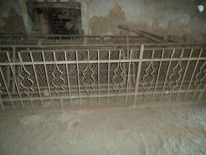 Ringhiera antica in ferro battuto massiccio del 1800.