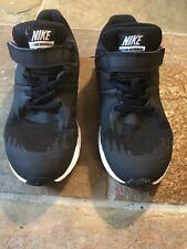 Boys Nike Black Star Runner Trainer Size 13