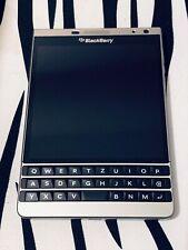 BlackBerry Passport SLIVER EDITION - 32GB - Silver (Unlocked) + EXCELLENT !!!!