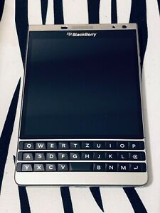 BlackBerry Passport SLIVER EDITION - 32GB - Silver (Unlocked) + EXCELLENT !!!!