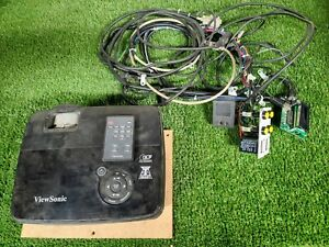 ViewSonic PJD5352 DLP Projector with extra cables