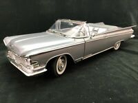 1959 Buick Electra 225 Convertible, Silver,1:18 Scale by Road Signature 92598