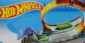 ✅Hot Wheels Action Loop Star Track Set with Car By Mattel New ships 🚀free