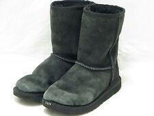 UGG AUSTRALIA BLACK KIDS CLASSIC BOOTS STYLE 5251 SZ 2