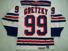 VINTAGE MADE IN CANADA CCM NEW YORK RANGERS #99 WAYNE GRETZKY JERSEY IN SIZE M