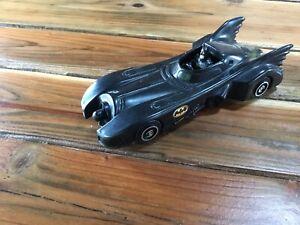 Vintage DC Comics 1989 Batman Batmobile Plastic Action Figure Car