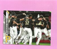 2020 Topps 582 Montgomery Club Foil Stamp #594 Pittsburgh Pirates Team Card