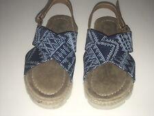 BEARPAW Girls' Raelynn Sandal Shoes Size Youth 13 Blue Tan Cross Strap EUC