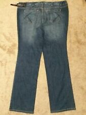 LANE BRYANT SIMPLY STRAIGHT. LIGHT WASH DENIM  JEANS FOR WOMAN. SIZE 26 Tall