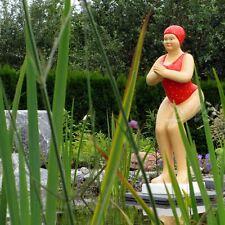 BADENDE ELLI BADEANZUG rot Schwimmerin SCHWIMMBAD Figur BADENIXE FRAU Deko TEICH