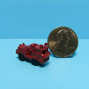 Dollhouse Miniature Toy Red Fire Engine Truck ISL2901