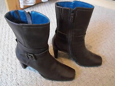 CLARKS LEATHER  BOOTS CHESTNUT  BROWN SIZE 6 WITH ZIP + BUCKLE  HARDLY WORN