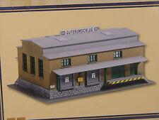 DB Güterhalle mit Rampe - Piko Spur  N Gebäude - 60027  #E