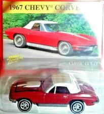 Johnny Lightning 1967 Chevy Corvette Red w/White Classic Gold Collection 1:64