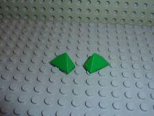 2 x LEGO Green slope brick ref 3048 / Set 4101/8780/1354/4097/4048/4679/4696