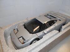 AA70979 by AUTOART BUGATTI EB110 GT 1:18
