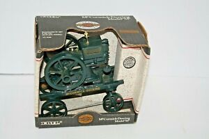 Vintage Gasoline Engines Ertl McCormick-Deering Model M Die-Cast 1/6 Scale Toy